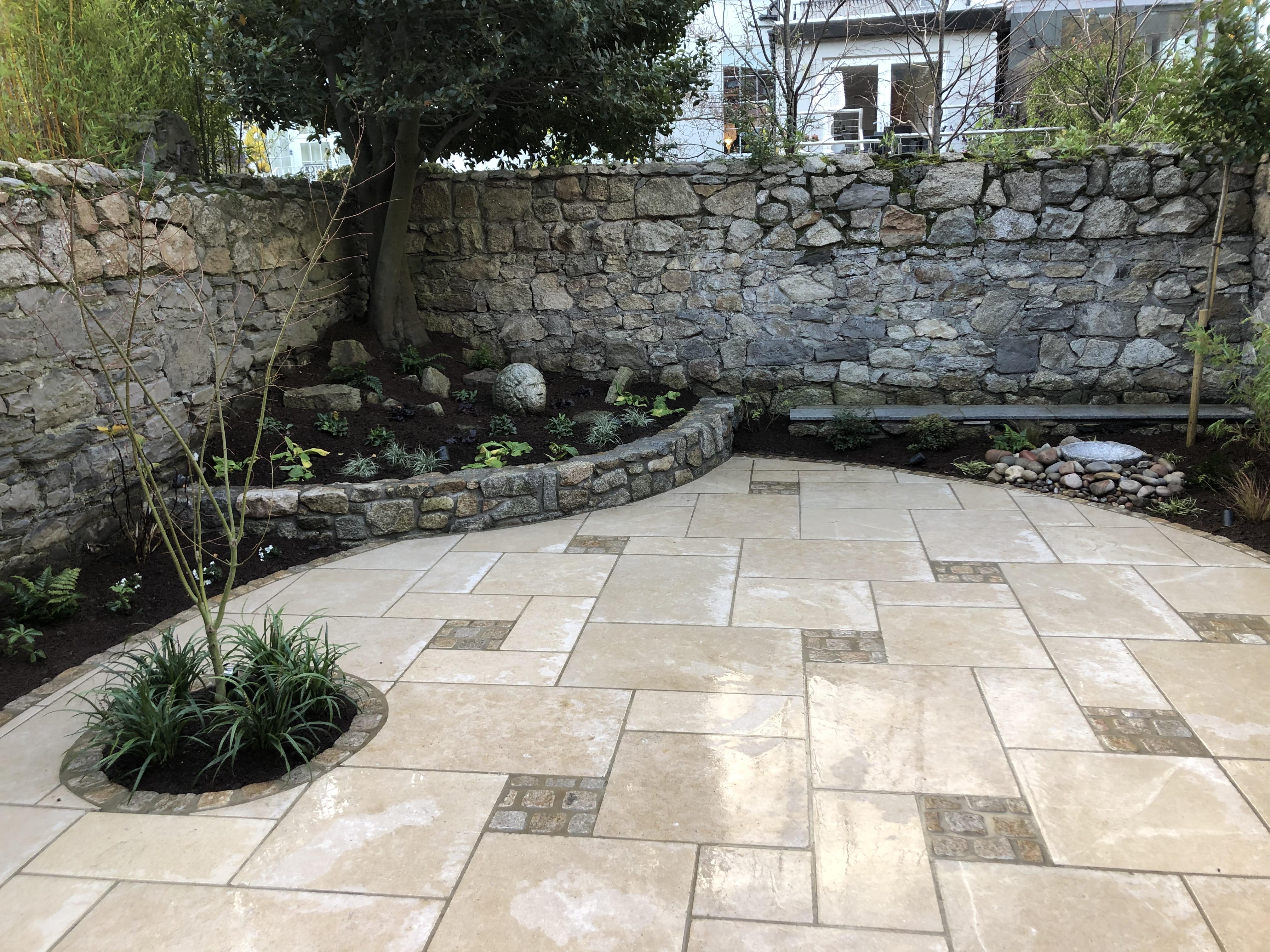 Traditional Courtyard Garden Design