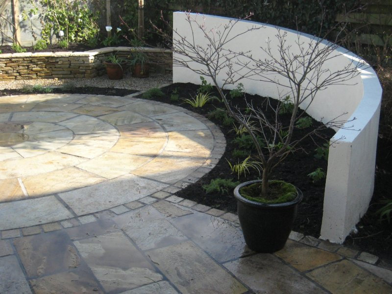 Curved Rendered Garden Walls